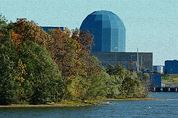 20 October 2007: AmerGen's Clinton Nuclear Power plant near Clinton Illinois is nestled between grain fields and a man made cooling lake. This image available for EDITORIAL USE ONLY. A release may be required. Additional information by contacting alook at alanlook.com