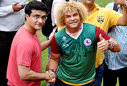 September 8, 2017 - Kolkata, West Bengal, India - Colombian former footballer Carlos Alberto Valderrama Palacio (Valderrama) with former Indian captain and Cricket Association of Bengal (CAB) President Sourav Ganguly (in left) sharing a light moment at Eden Garden on September 8, 2017 in Kolkata. (Credit Image: © Saikat Paul/Pacific Press via ZUMA Wire)
