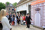 Hare Koninklijke Hoogheid Prinses Máxima der Nederlanden opentde nieuwbouw van het museum Sjoel Elburg, een verhalenmuseum over het (on)gewone dagelijks leven van twaalf Joodse families die vanaf 1700 in Elburg hebben gewoond. //// Her Royal Highness Princess Máxima of the Netherlands opentde Shul Elburg construction of the museum, a museum stories about the (un) usual daily lives of twelve Jewish families who lived from 1700 in Elburg.<br />