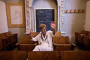 Milano, Accademia di Brera, Esmeralda Gianni, 73 anni, ha fatto vari mestieri, tra cui la camionista. Si.è laureata a 71 anni in scultura all?Accademia di Brera. Fa incisioni e.scrive..Milano, Accademia di Brera, Esmeralda Gianni, 73 anni, ha fatto vari mestieri, tra cui la camionista. Si.è laureata a 71 anni in scultura all?Accademia di Brera. Fa incisioni e.scrive.