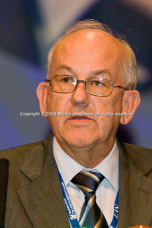 Goronwy Jones, Executive, speaking at the NUT Conference 2008, Manchester...© Martin Jenkinson, tel 0114 258 6808 mobile 07831 189363 email martin@pressphotos.co.uk. Copyright Designs & Patents Act 1988, moral rights asserted credit required. No part of this photo to be stored, reproduced, manipulated or transmitted to third parties by any means without prior written permission   NUT08