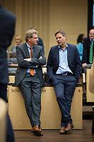 DEU, Deutschland, Germany, Berlin,22.09.2017: Dr. Bernd Buchholz (FDP), Wirtschaftsminister in Schleswig-Holstein, und Dr. Robert Habeck (Grüne), Umweltminister in Schleswig-Holstein, vor einer Sitzung im Bundesrat.