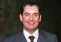 Ray Reardon, England, professional snooker player, Irish Masters, Goffs, Rep of Ireland, 198503000033e..Copyright Image from Victor Patterson, 54 Dorchester Park, Belfast, UK, BT9 6RJ..Tel: +44 28 9066 1296.Mob: +44 7802 353836.Voicemail +44 20 8816 7153.Skype: victorpattersonbelfast.Email: victorpatterson@mac.com.Email: victorpatterson@ireland.com (back-up)..IMPORTANT: If you wish to use this image or any other of my images please go to www.victorpatterson.com and click on the Terms & Conditions. Then contact me by email or phone with the reference number(s) of the image(s) concerned.