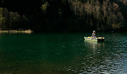 THEMENBILD - ein Mann in einem Ruderboot beim fischen, aufgenommen am 24. April 2017, Klammsee, Kaprun Österreich // A man in a rowing boat while fishing at the Klammsee, Kaprun Austria on 2017/04/24. EXPA Pictures © 2017, PhotoCredit: EXPA/ JFK