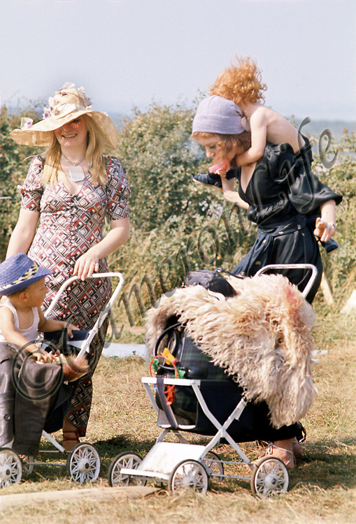 Festival-goers - Young mums
