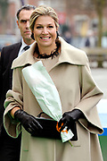 Koningin Maxima geeft startsein Week van het geld op de basisschool OBS West in Capelle aan de IJssel. <br /> <br /> Queen Maxima launches Money Week at the primary public school  in Capelle aan den IJssel.<br /> <br /> Op de foto / On the photo:  Aankomst Koningin Maxima / Arrival Queen Maxima