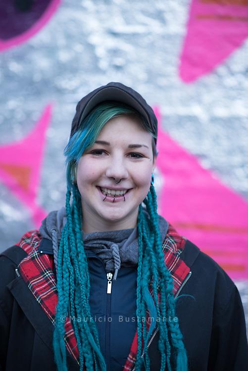 Hanna war noch keine 15 Jahre alt, als sie das erste Mal das KIDS am Hauptbahnhof betrat. Heute<br /> setzt sie sich für die Rechte von Stra&szlig;enkindern ein
