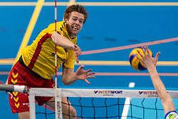 04-04-2018 NED: Draisma Dynamo - Abiant Lycurgus, Apeldoorn<br /> Lycurgus wint met 3-2 van Dynamo / Nico Maneschijn #6 of Dynamo