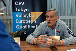 06–01-2020 NED: CEV Tokyo Volleyball European Qualification Women, Apeldoorn<br /> Press moment and representatives of the eight national teams for one spot Tokyo 2020 / Coach Giovanni Caprara of Netherlands