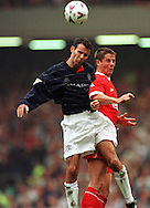 11.09.1999, Anfield Road Stadium, Liverpool, England. FA Premiership, Liverpool v Manchester United. Ryan Giggs (ManU) v Jamie Redknapp (Liverpool)..©JUHA TAMMINEN
