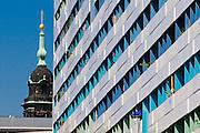 Prager Straße, längstes Wohnhaus Prager Zeile, Turm der Kreuzkirche, Dresden, Sachsen, Deutschland.|.Pager Strasse, apartment building Prager Zeile, tower of Kreuzkirche, Dresden, Germany