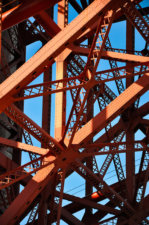 Golden Gate Bridge - structure