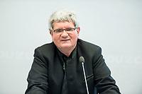 24 APR 2017, BERLIN/GERMANY:<br /> Prof. Dr. Robert Schloegl, Direktor Max-Planck-Institut fuer Chemische Energiekonversion, 9. Energiepolitischer Dialog der CDU/CSU-Fraktion im Deutschen Bundestag &quot;Spannungsfeld Energiewende - Die Energiewende wirtschaftlich gestalten&quot;, Fraktionssitzungssaal, Deutscher Bundestag<br /> IMAGE: 20170424-01-064<br /> KEYWORDS: Prof. Dr. Robert Schl&ouml;gl,