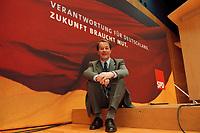 02 DEC 1999, BERLIN/GERMANY:<br /> Franz Müntefering, SPD Bundesgeschäftsführer, vor dem Logo des kommenden Bundesparteitages, Pressekonferenz, Willi-Brand-Haus<br /> Franz Muentefering, Federal Manager of the Social Democratic Party Germany in front of the logo of the next party conference, Willi-Brand-Haus<br /> IMAGE: 19991202-01/01-19