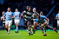 Aphiwe Dyantyi of Barbarians takes on Joaquin Diaz Bonilla of Argentina - Mandatory by-line: Robbie Stephenson/JMP - 01/12/2018 - RUGBY - Twickenham Stadium - London, England - Barbarians v Argentina - Killick Cup