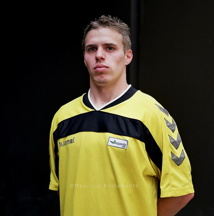 Homeless World Cup, Stuttgart. David Essig, 25, Team B-Boys Karlsruhe. seit Herbst 2006 obdachlos, seit Dezember 2006 Bewohner des Bodelschwingh-Hauses, hat bis zur A-Jugend vier Jahre lang in der Verbandsstaffel gespielt, der zweithöchsten Leistungsklasse.