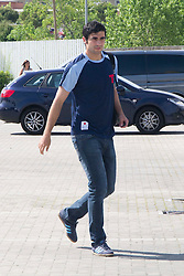 01.06.2012, Ciudad del Futbol, Madrid, ESP, UEFA EURO, Trainingscamp, Spanien, Rueckreise nach dem Trainingslager in Schruns im Vorarlberger Montafon, im Bild Raúl Albiol // during Arrival of Spanish National Footballteam // after UEFA EURO 2012 preparation camp in Schruns, Austria at Ciudad del Futbol, Madrid, Spain on 2012/06/01. EXPA Pictures © 2012, PhotoCredit: EXPA/ Alterphotos/ Marta Gonzalez..***** ATTENTION - OUT OF ESP and SUI *****