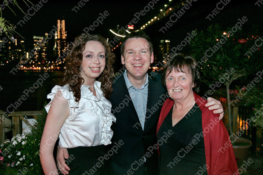 Mary Gillespie and her daughter Niamh Gillespie Fallon from Corofin take a bite of the Big Apple with Derek Mooney. Mary won the trip to on the National Lottery's TV gameshow during the summer months.
