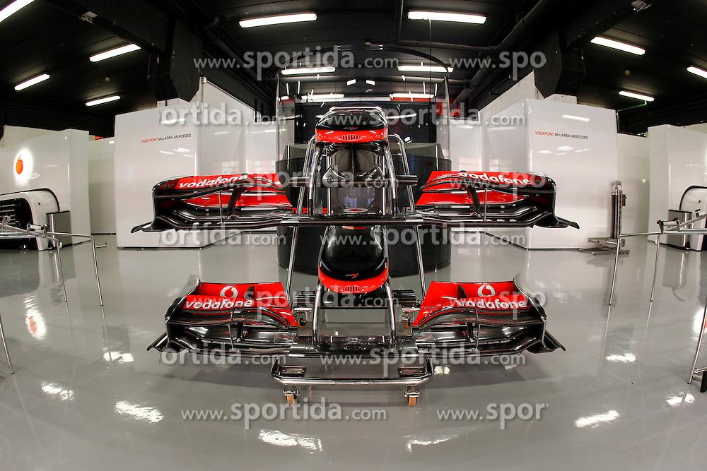 FORMEL 1: GP von Spanien, Barcelona, 08.05.2010<br /> Garage von McLaren, Illustration, Karosserie, Technik<br /> &Atilde;'&Acirc;&copy; pixathlon