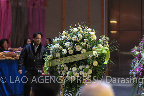 Obséques de S.A Chao Heuane Nhing Bouaphanha Na Champassak - Soumpholphakdy. Epouse de Feu S.A le Prince Boun Oum, Prince de Champassak, survenu le 14 janvier 2013 , à l'âge de 92 ans.