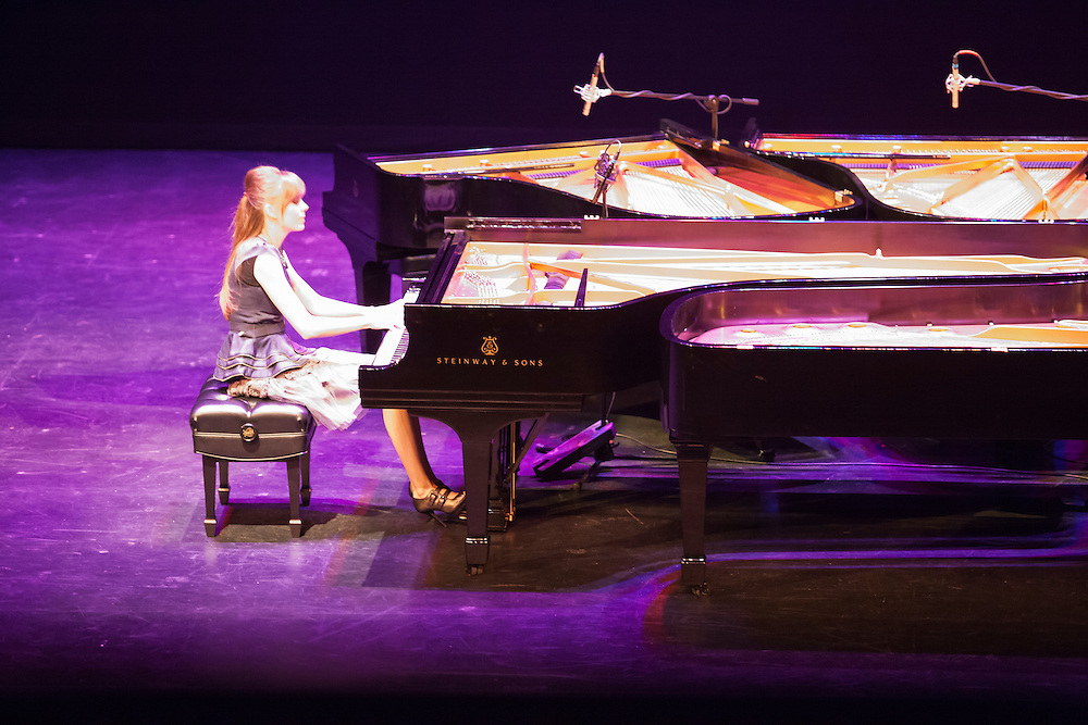 LOGAN, UT - FEBRUARY, 28: The 5 Browns – Ryan, Melody, Gregory, Deondra and Desirae Brown, perform at the first of two sold out shows at the Ellen Eccles Theater in Logan, Utah Monday, February, 28, 2011. This is the first public performance for the Julliard trained musicians since their father Keith Brown plead guilty to sexually molested the group's three adult sisters -- Desirae, 32, Deondra, 30, and Melody, 26 -- when they were children. (August Miller)