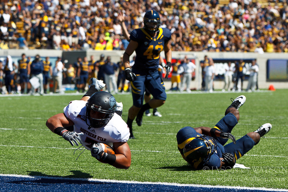 BERKELEY, CA - SEPTEMBER 08: Running back Henna Brown #7 of the Southern Utah Thunderbirds rushes past defensive back Steve Williams #1 of the California Golden Bears to score a touchdown during the third quarter at Memorial Stadium on September 8, 2012 in Berkeley, California. The California Golden Bears defeated the Southern Utah Thunderbirds 50-31. (Photo by Jason O. Watson/Getty Images) *** Local Caption *** Henna Brown; Steve Williams