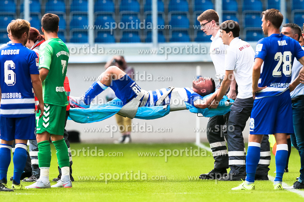 29.08.2015, Schauinsland Reisen Arena, Duisburg, GER, 2. FBL, MSV Duisburg vs SpVgg Greuther Fuerth, 5. Runde, im Bild Simon Brandstetter (#18, MSV Duisburg) wird verletzt vom Platz getragen, // during the 2nd German Bundesliga 5th round match between MSV Duisburg and SpVgg Greuther Fuerth at the Schauinsland Reisen Arena in Duisburg, Germany on 2015/08/29. EXPA Pictures &copy; 2015, PhotoCredit: EXPA/ Eibner-Pressefoto/ Deutzmann<br /> <br /> *****ATTENTION - OUT of GER*****