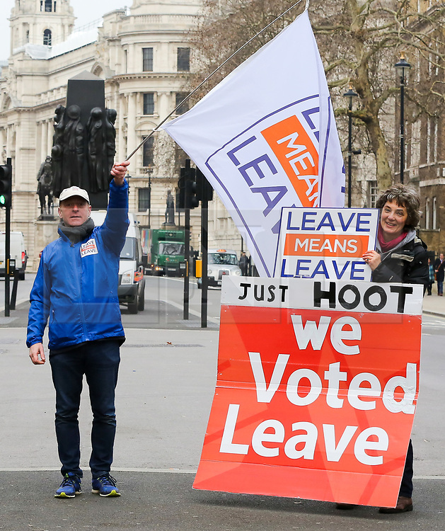 © Licensed to London News Pictures. 19/01/2019. London, UK. Pro-Brexit demonstrators with large banners protest outside tDowning Street on day three of Meaningful Vote debate and on Tuesday 15 January 2019 the MPs will vote on Prime Minister, Theresa May's Brexit deal. Photo credit: Dinendra Haria/LNP