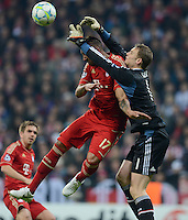 FUSSBALL   CHAMPIONS LEAGUE  HALBFFINAL HINSPIEL   2011/2012      FC Bayern Muenchen - Real Madrid          17.04.2012 Interner Infight: Jerome Boateng (li) und Torwart Manuel Neuer (re, FC Bayern Muenchen)