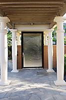 Exteriors with pillars