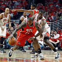 10 May 2011: Chicago Bulls shooting guard Ronnie Brewer (11) defends on Atlanta Hawks guard Jamal Crawford (11) during the Chicago Bulls 95-83 victory over the Atlanta Hawks, during game 5 of the Eastern Conference semi finals at the United Center, Chicago, Illinois, USA.