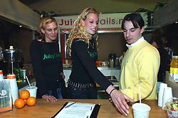 02-02-2006 VOLLEYBAL: PRESENTATIE BEACHDUO KEIZER-LEENSTRA: AALSMEER<br /> Perspresentatie van Sanne Keizer en Marrit Leenstra<br /> ©2006-WWW.FOTOHOOGENDOORN.NL