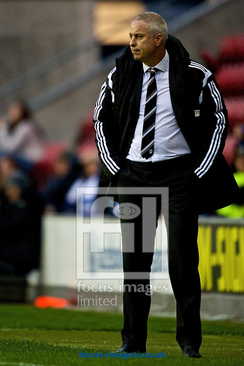 Fulham manager Kit Symons during the Sky Bet Championship match at the DW Stadium, Wigan<br /> Picture by Ian Wadkins/Focus Images Ltd +44 7877 568959<br /> 01/11/2014