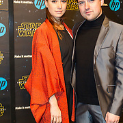 NLD/Amsterdam/20151215 - première van STAR WARS: The Force Awakens!, Job Bovelander en partner Chava voor in t Holt