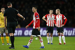 (L-R), referee Jeroen Manschot, Hirving Lozano of PSV during the Dutch Eredivisie match between PSV Eindhoven and sbv Excelsior at the Phillips stadium on December 07, 2018 in Eindhoven, The Netherlands
