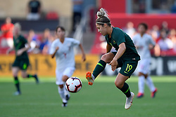 August 2, 2018 - Bridgeview, IL, U.S. - BRIDGEVIEW, IL - AUGUST 02: Australia midfielder Katrina Gorry (19) traps the ball against Japan during the 2018 Tournament Of Nations at Toyota Park on August 2, 2018 in Bridgeview, Illinois (Photo by Quinn Harris/Icon Sportswire) (Credit Image: © Quinn Harris/Icon SMI via ZUMA Press)