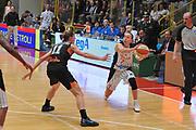 DESCRIZIONE : Schio Vicenza Lega A1 Femminile 2011-12 Coppa Italia Semifinale Famila Wuber Schio Liomatic Umbertide<br /> GIOCATORE : francesca zara<br /> CATEGORIA : passaggio<br /> SQUADRA :Famila Wuber Schio Liomatic Umbertide<br /> EVENTO : Campionato Lega A1 Femminile 2011-2012 <br /> GARA : Famila Wuber Schio Liomatic Umbertide<br /> DATA : 17/03/2012 <br /> SPORT : Pallacanestro <br /> AUTORE : Agenzia Ciamillo-Castoria/M.Gregolin<br /> Galleria : Lega Basket Femminile 2011-2012 <br /> Fotonotizia : Schio Vicenza Lega A1 Femminile 2011-12 Coppa Italia Semifinale Famila Wuber Schio Liomatic Umbertide<br /> Predefinita :