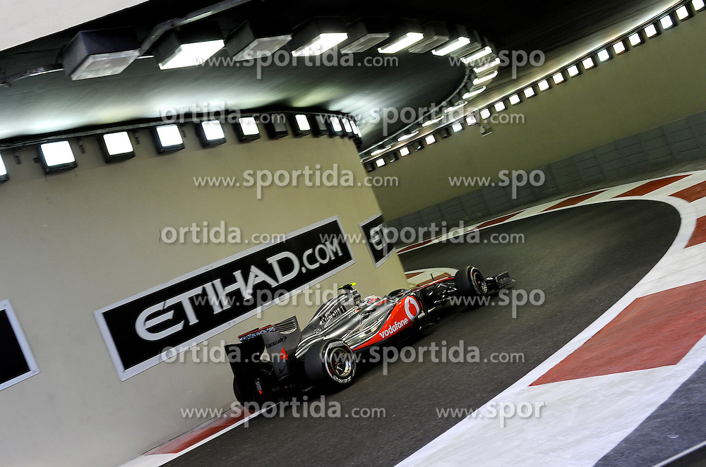 11.11.2011, Yas-Marina-Circuit, Abu Dhabi, UAE, Grosser Preis von Abu Dhabi, im Bild Jenson Button (GBR),  McLaren F1 Team  // during the Formula One Championships 2011 Large price of Abu Dhabi held at the Yas-Marina-Circuit, 2011-11-11. EXPA Pictures © 2011, PhotoCredit: EXPA/ nph/ Dieter Mathis..***** ATTENTION - OUT OF GER, CRO *****