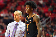 LUBBOCK, TX - MARCH 1: Head coach Shaka Smart of the Texas Longhorns talks with Andrew Jones #1 of the Texas Longhorns during the game against the Texas Tech Red Raiders on March 1, 2017 at United Supermarkets Arena in Lubbock, Texas. Texas Tech defeated Texas 67-57. (Photo by John Weast/Getty Images) *** Local Caption *** Shaka Smart;Andrew Jones