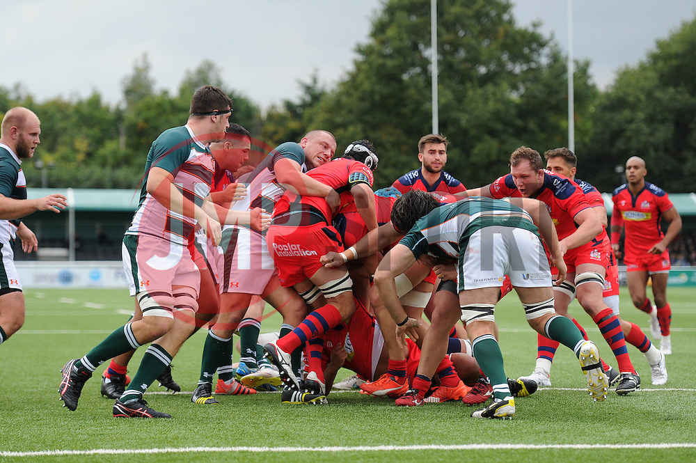 Ealing Trailfinders and Bristol Rugby challenge for the ball - Mandatory byline: Dougie Allward/JMP - 07966386802 - 10/10/2015 - RUGBY - Vallis Way -West Ealing,England - Ealing Trailfinders v Bristol Rugby - Greene King IPA Championship