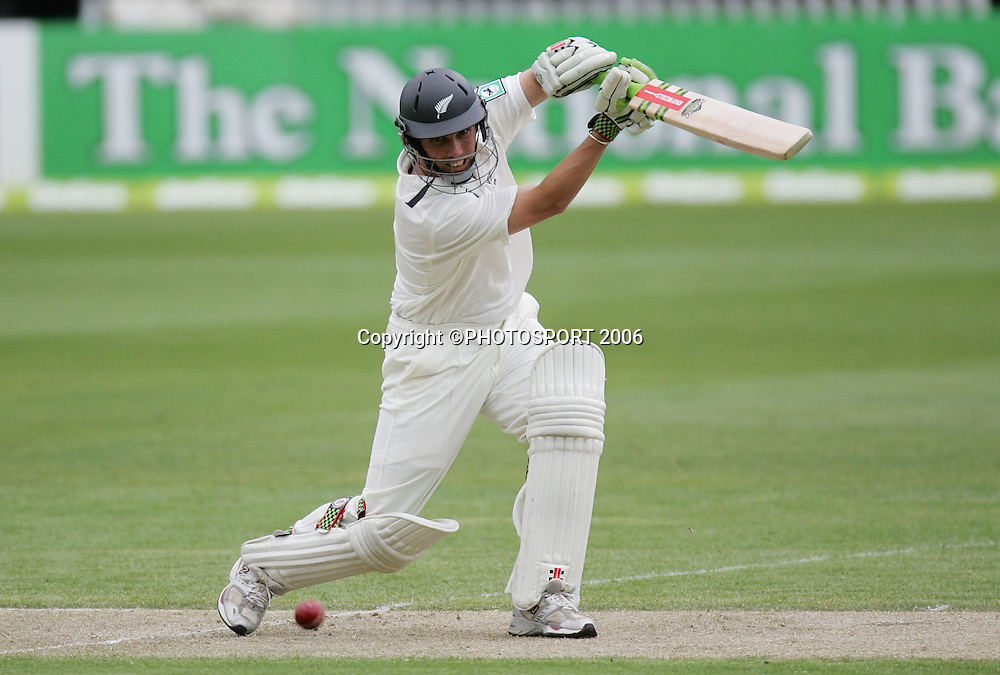 New Zealand batsman Matthew Sinclair during his innings of 36 at the first cricket test match between the Black Caps and Sri Lanka at Jade Stadium, Christchurch, New Zealand, on Thursday 7 December, 2006. Photo: Andrew Cornaga/PHOTOSPORT.<br /><br /><br />071206