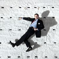 Nederland, Den Haag, 07-12-2012.<br /> Mark Rietman in het decor van de voorsteeling &quot;De Prooi&quot; van het Nationale Toneel in de Koninklijke Schouwburg in Den Haag.<br /> Foto : Klaas Jan van der Weij
