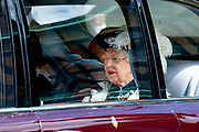 "Koning Willem Alexander wordt door Hare Majesteit Koningin Elizabeth II geïnstalleerd in de 'Most Noble Order of the Garter'. Tijdens een jaarlijkse ceremonie in St. Georgekapel, Windsor Castle, wordt hij geïnstalleerd als 'Supernumerary Knight of the Garter'.<br /> <br /> King Willem Alexander is installed by Her Majesty Queen Elizabeth II in the ""Most Noble Order of the Garter"". During an annual ceremony in St. George's Chapel, Windsor Castle, he is installed as ""Supernumerary Knight of the Garter"".<br /> <br /> Op de foto / On the photo:  Koningin Elizabeth / Queen Elizabeth"