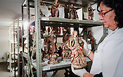Belo Horizonte_MG, Brasil..Pecas sacras roubadas no estado de Minas Gerais. Na foto, conservadora vistoria as pecas...Stolen sacred pieces  from the state of Minas Gerais. In the photo, conservative inspect the parts...Foto: BRUNO MAGALHAES / NITRO