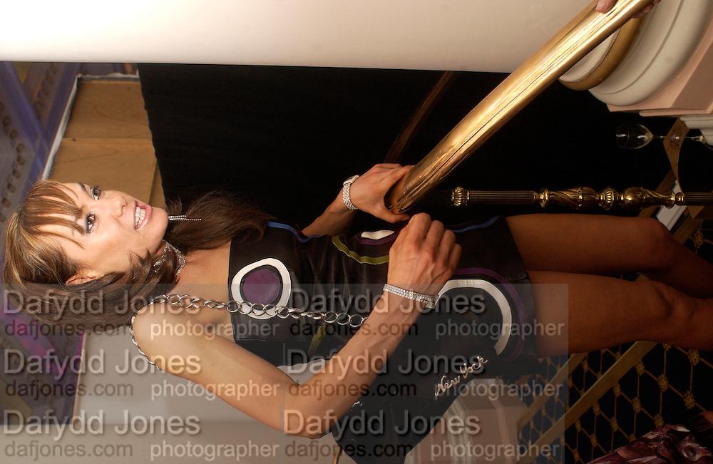 Tara Palmer -Tompkinson, Specsavers' Look of 2003 modelling competition at the Langham Hilton Hotel. 25 November 2003. © Copyright Photograph by Dafydd Jones 66 Stockwell Park Rd. London SW9 0DA Tel 020 7733 0108 www.dafjones.com