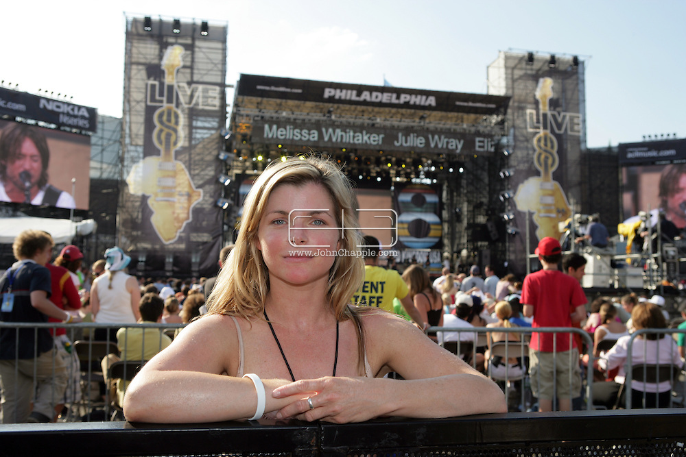 2nd July 2005, Philadelphia, PA. The USA Live 8 concert held in the city of Philadelphia. Pictured is Sun reporter Emily Smith. PHOTO © JOHN CHAPPLE IN THE BIG APPLE. Tel (001) 212 397 7287.www.chapple.biz