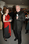 KAY DOUGLAS AND WILL BENNETT, Gala champagne reception and dinner in aid of CLIC Sargent.  Grosvenor House Art and Antiques Fair.  Grosvenor House. Park Lane. London. 15  June 2006. ONE TIME USE ONLY - DO NOT ARCHIVE  © Copyright Photograph by Dafydd Jones 66 Stockwell Park Rd. London SW9 0DA Tel 020 7733 0108 www.dafjones.com