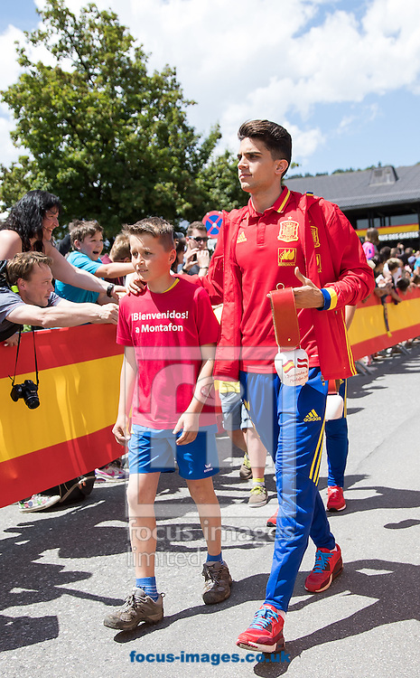 Marc Bartra of Spain arrives at Lowen Hotel, Schruns, Austria.<br /> Picture by EXPA Pictures/Focus Images Ltd 07814482222<br /> 26/05/2016<br /> ***UK &amp; IRELAND ONLY***<br /> EXPA-GRO-160526-5007.jpg