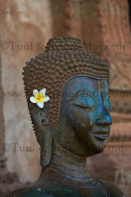 Laos, ville de Vientiane, temple Haw Pha Kaeo, 1565, statue de Bouddha // Laos, Vientiane city, Haw Pha Kaeo, 1565, statue of Buddha