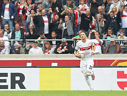 26.09.2015, Mercedes Benz Arena, Stuttgart, GER, 1. FBL, VfB Stuttgart vs Borussia Moenchengladbach, 7. Runde, im Bild Daniel Ginczek ( VfB Stuttgart ) nach dem 1:2 Anschlusstreffer // during the German Bundesliga 7th round match between VfB Stuttgart and Borussia Moenchengladbach at the Mercedes Benz Arena in Stuttgart, Germany on 2015/09/26. EXPA Pictures © 2015, PhotoCredit: EXPA/ Eibner-Pressefoto/ Langer<br /> <br /> *****ATTENTION - OUT of GER*****